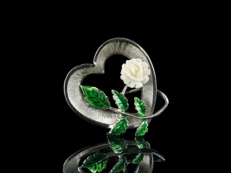 Серебряная брошь со слоновой костью от Beaucraft
