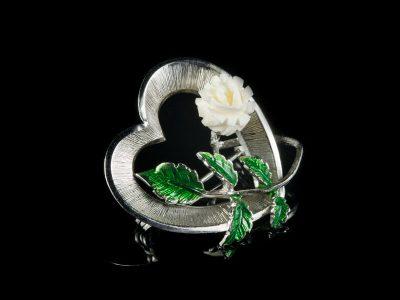 Винтажные ювелирные изделия слоновая кость