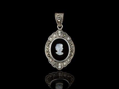 Камея кулон женский профиль серебро