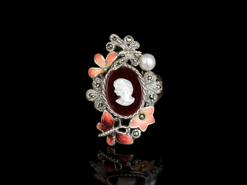Перстень с камеей серебряный