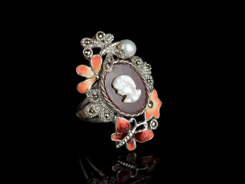 Кольцо с камеей серебряное