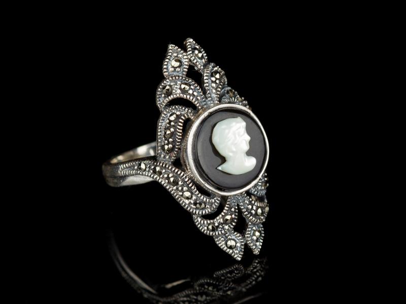 Перстень с камеей серебряный маркиз