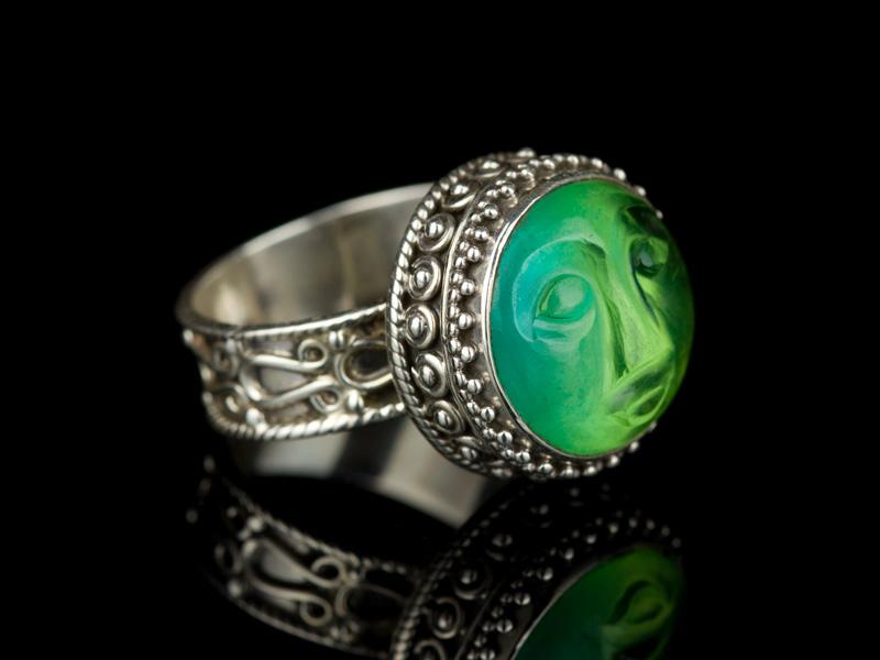 Перстень с турмалином лицо луны серебряное