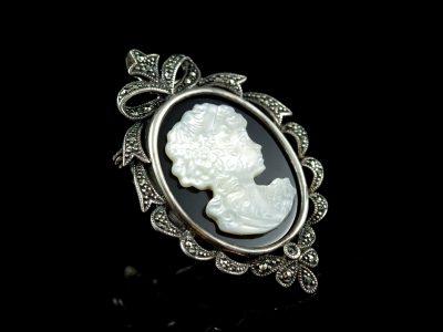 Камея антикварная серебряная брошь Афродита