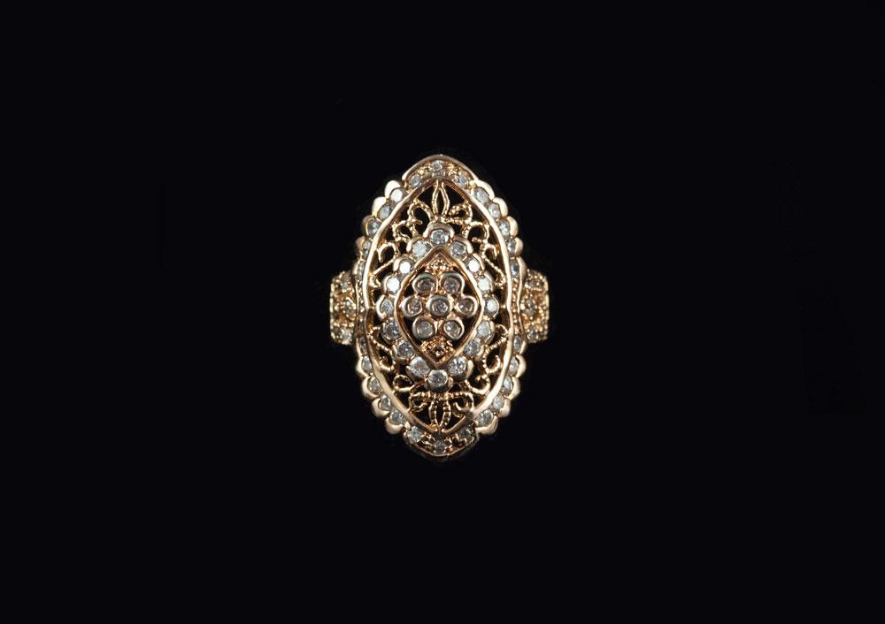 Старинное серебряное кольцо барокко