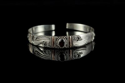 Старинный индейский браслет - серебро и гранат