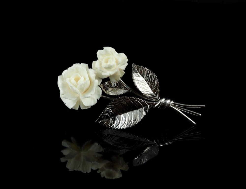 Винтажные украшения из серебра со слоновой костью