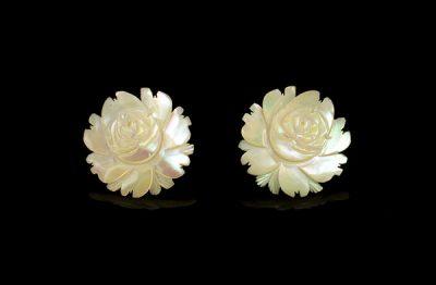 Перламутрові троянди кліпси-сережки