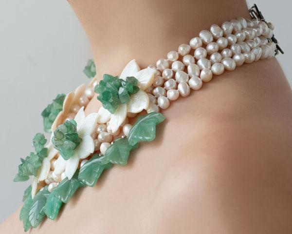 Ожерелье колье из авантюрина жемчуга и перламутра