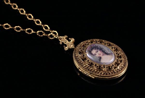 Позолоченный медальон от Florenza