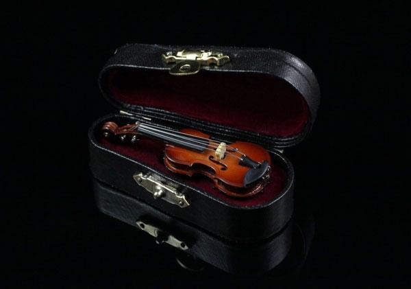 Брошь - скрипка ручной работы