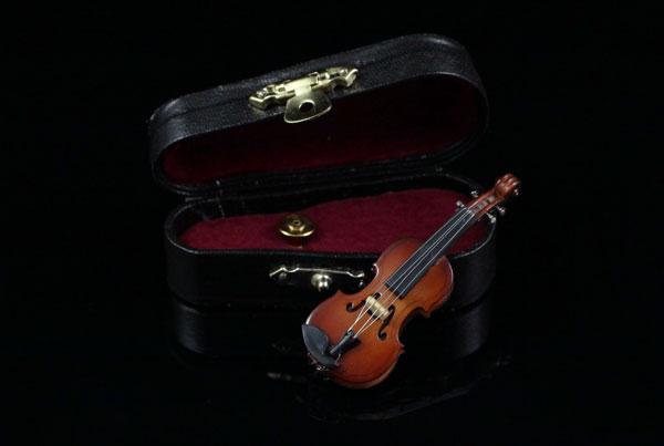 Украшение со скрипкой в подарок
