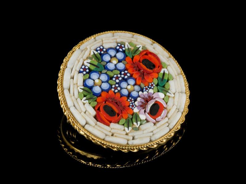 Брошь с мозаикой винтаж Италия из микромозаики