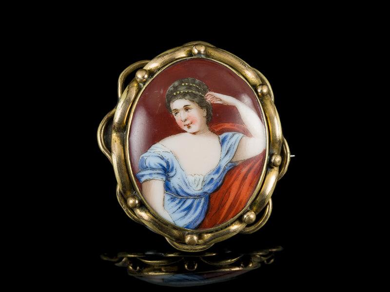 Антикварная брошь французская 19 века Лимож