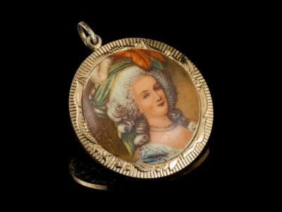 Винтажная старинная антикварная подвеска Мадам де Помпадур
