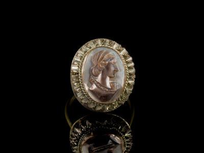 Кольцо камея старинная антикварная купить перламутр
