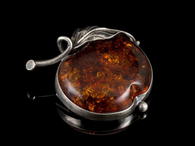 Серебряная брошь с янтарем старинная антикварная