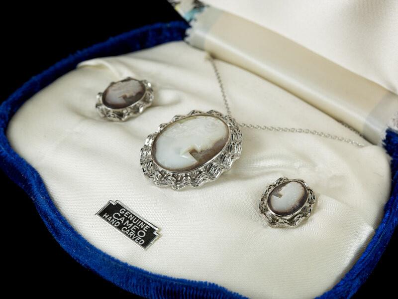 Камеи винтажные серебряные из раковины комплект набор